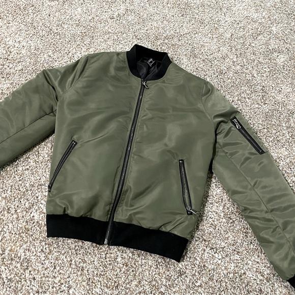 Green forever21 bomber jacket size medium